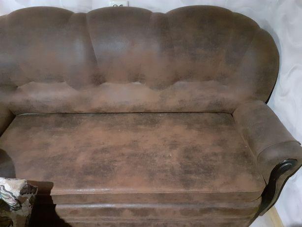 Продам диван и 2 кресла раздвижные