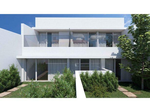 Moradia T2 com Jardim para Venda em Vila Nova de Gaia, Porto