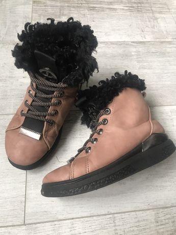 Зимние ботинки с овчиной
