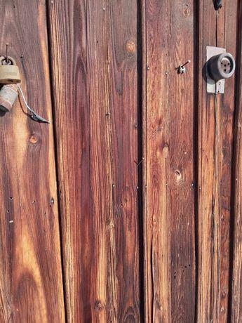 Stare drewno deski stodoła ciosane postarzane dom do przeniesienia