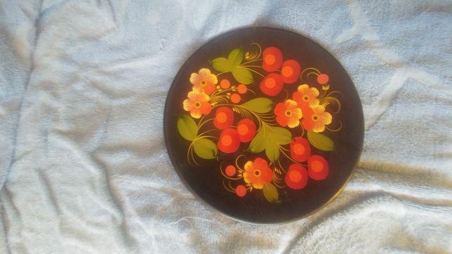Розписная тарелка ручной работы