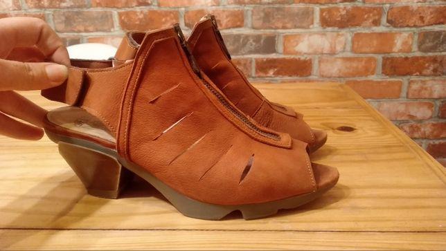 Sapatos Fly London - novos custam 125€