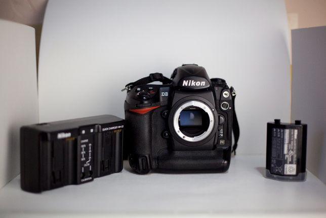 Nikon D3 + запасний акумулятор.