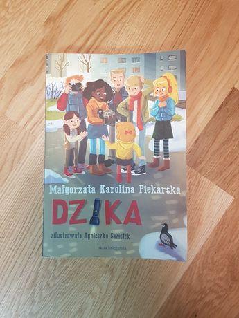 """Książka """"Dzika"""""""