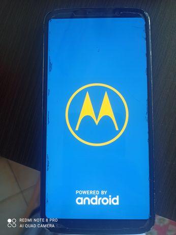 Motorola Z3 Play z modami JBL