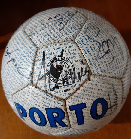 Bola autografada F.C.Porto.