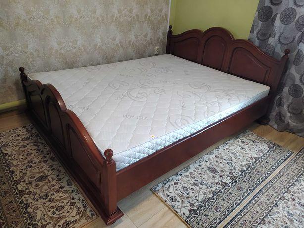 ліжко дерев'яне двухспальне