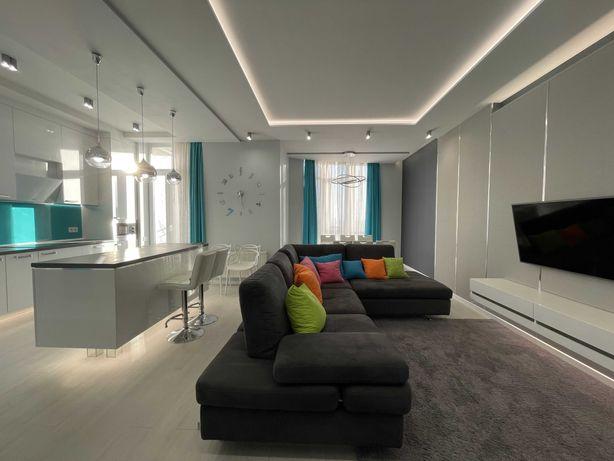 3 комнатная с Евроремонтом. Приморский район! Очень красивая квартира.