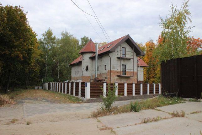 Отдельно стоящее 3х этажное здание 641,3 кв.м., Алексеевка,собственник