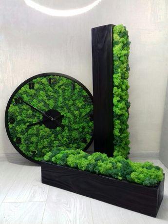 Настінний годинник з дерева та стабілізованого моху