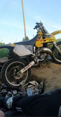 Suzuki rm 125 98r