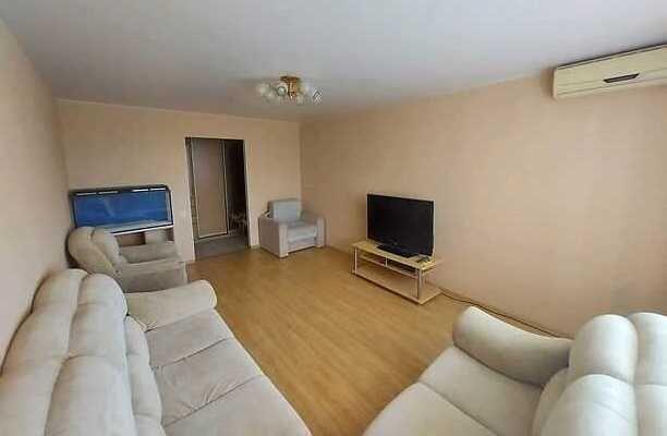 Продажа 2-к квартиры в новом доме, Гожулянская
