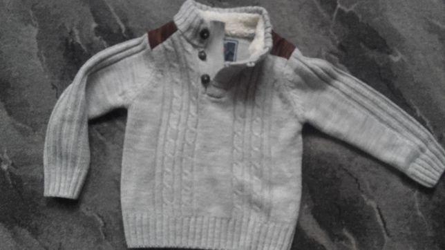 Elegancki sweterek w rozmiarze 98 cm w cenie 5 zł