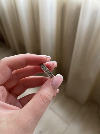Кольцо. Серебряное кольцо. Серебро. 925 проба. Цирконрй.
