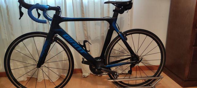 Bicicleta giant propel advanced 1 2019