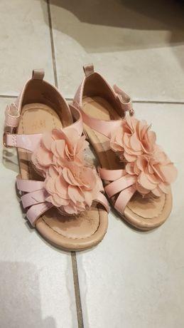 Sandalki pudrowy róż kwiaty H&M 25
