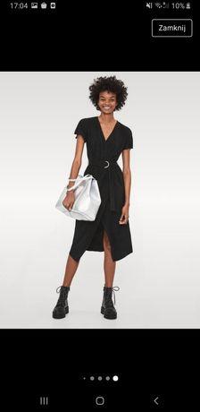 Czarna taliowana sukienka nowa Bershka
