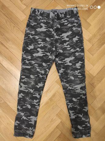 Spodnie Reserved joggery moro dla chłopca r. 164