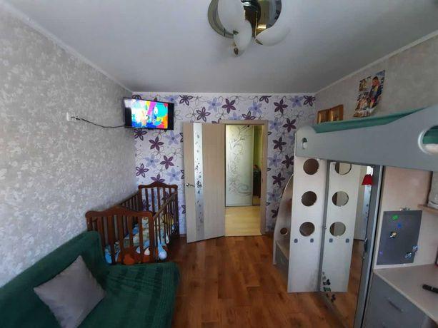 Продам свою гостинку , 2 минуты метро завод имени Малышева.