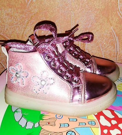 Ботинки на девочку. Весенние ботинки.