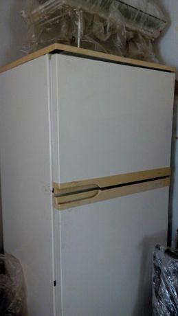 Холодильник под востановление или запчасти