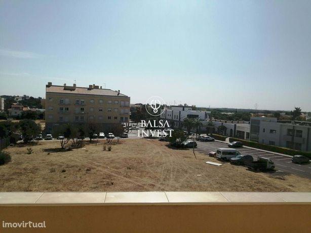 Apartamento T3 de 117m2 em zona central de ALMANCIL