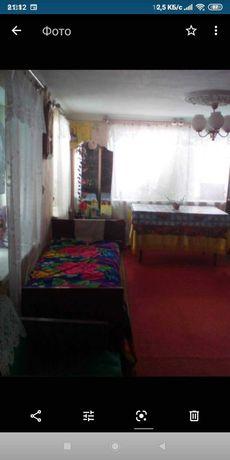 Продам пгт Новоайдар 2 дома в одном дворе или обменяю на квартиру .