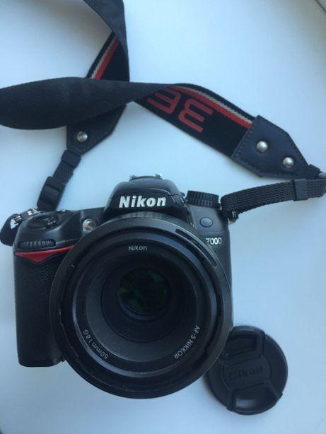 Фотоаппарат Nikon D7000 и обьектив Nikkor 50mm 1.8