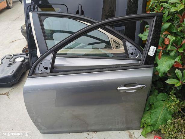 Porta Frente Esquerda Peugeot 308 do ano 2013