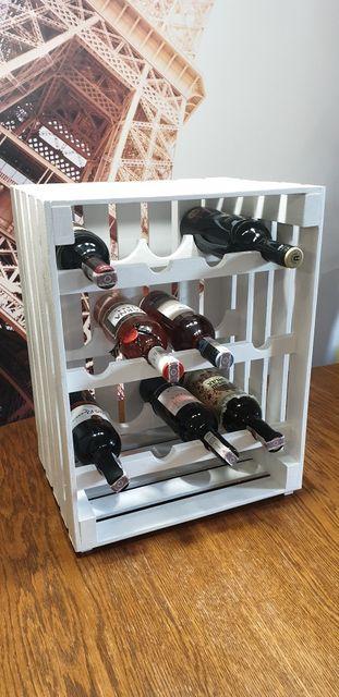 Nowoczesna półka na wina