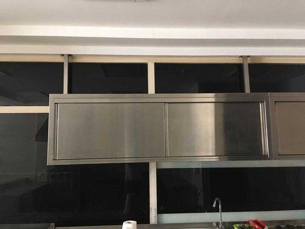 armário superior em inox, com 2 portas