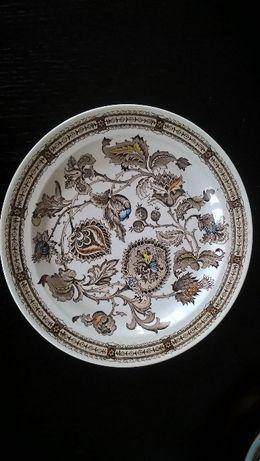 Pratos antigos em porcelana inglesa