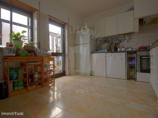 Apartamento duplex T3 para venda, espaçoso, Caldas da Rainha