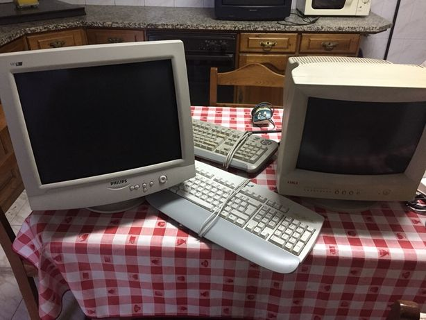 Monitor / Teclado / Material informático antigo