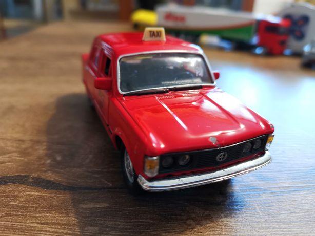Fiat 125p czerwony taxi resorak autko