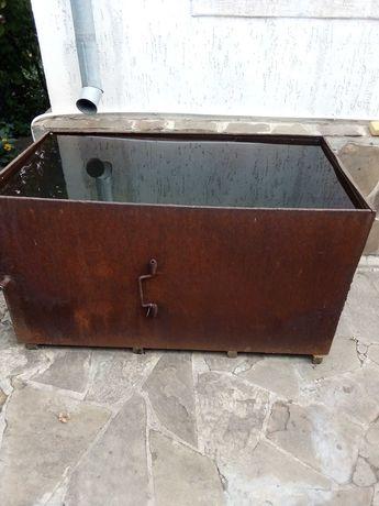 Продам ёмкость металлическую на один куб.