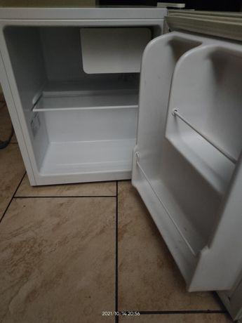 Mała lodóweczka 46 l.