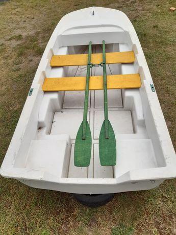 Sprzedam łódkę płaskodenną dwupłaszczową z laminatu.