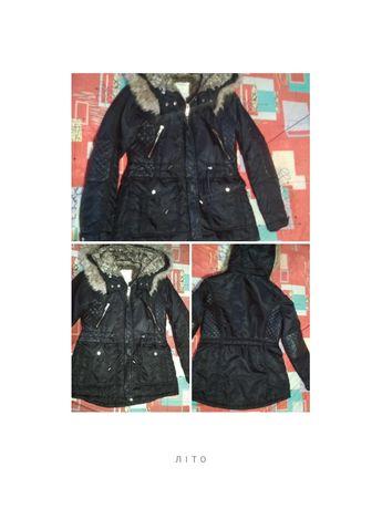 Курточка зимняя в хорошем состоянии на девочку 10, 11,12 лет