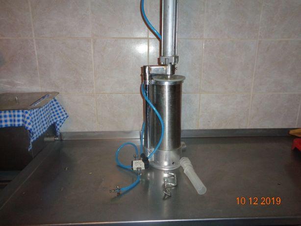 Nadziewarka pneumatyczna do kiełbas