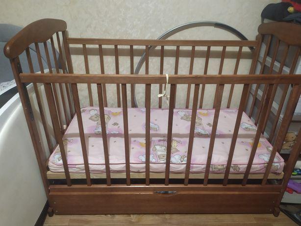 Кроватка новая с матрасом кокосовым