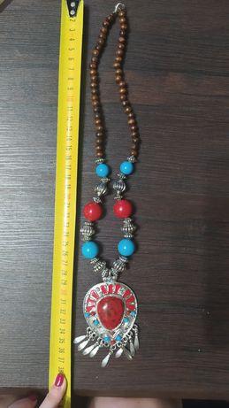 Ожерелье, бусы, бижутерия