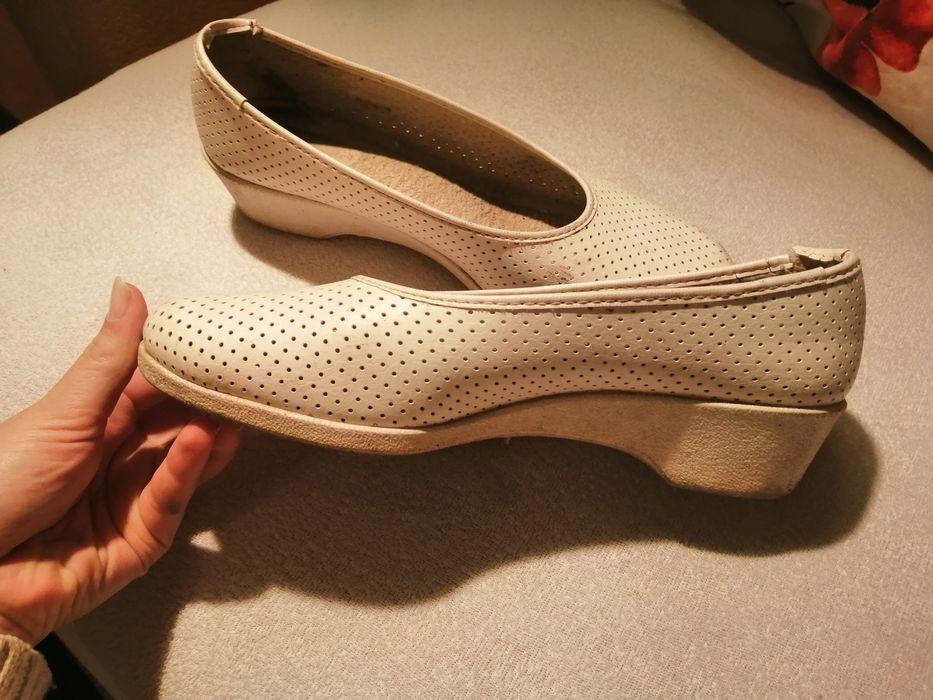 Buty damskie 41 biały/kremowy skórzane Rzeszów - image 1