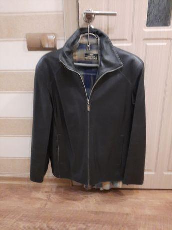 Чоловіча шкіряна курточка