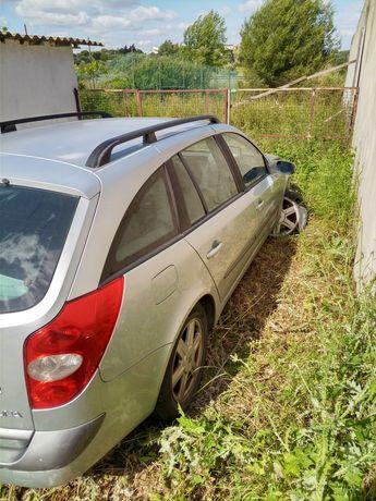 Renault Laguna 1.6 GPL acidentada