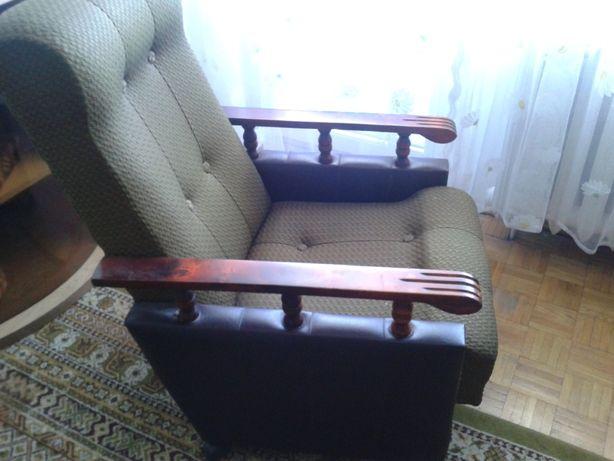 fotel na  kółkach za 40 zł.