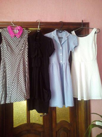 продам платья подростковые