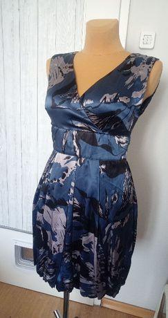 Sukienka bombka