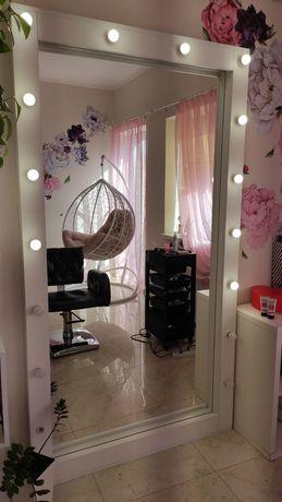 Суперовое зеркало с подсветкой в салон