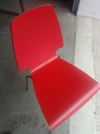 Mesa + 2 cadeiras